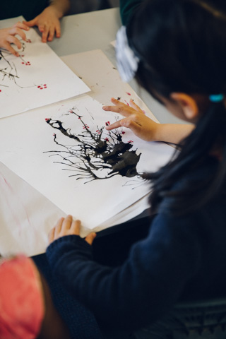 funese-chinese-culture-event-melbourne-school-student-blow-painting-002